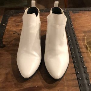 Melrose & Market- white ankle booties